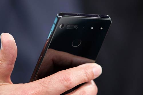 Essential Phone ボディ